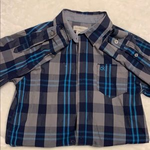 Buttoned down plaid top for boy